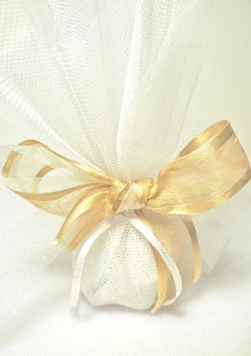 Οικονομική μπομπονιέρα γάμου κλασική με τούλι 601