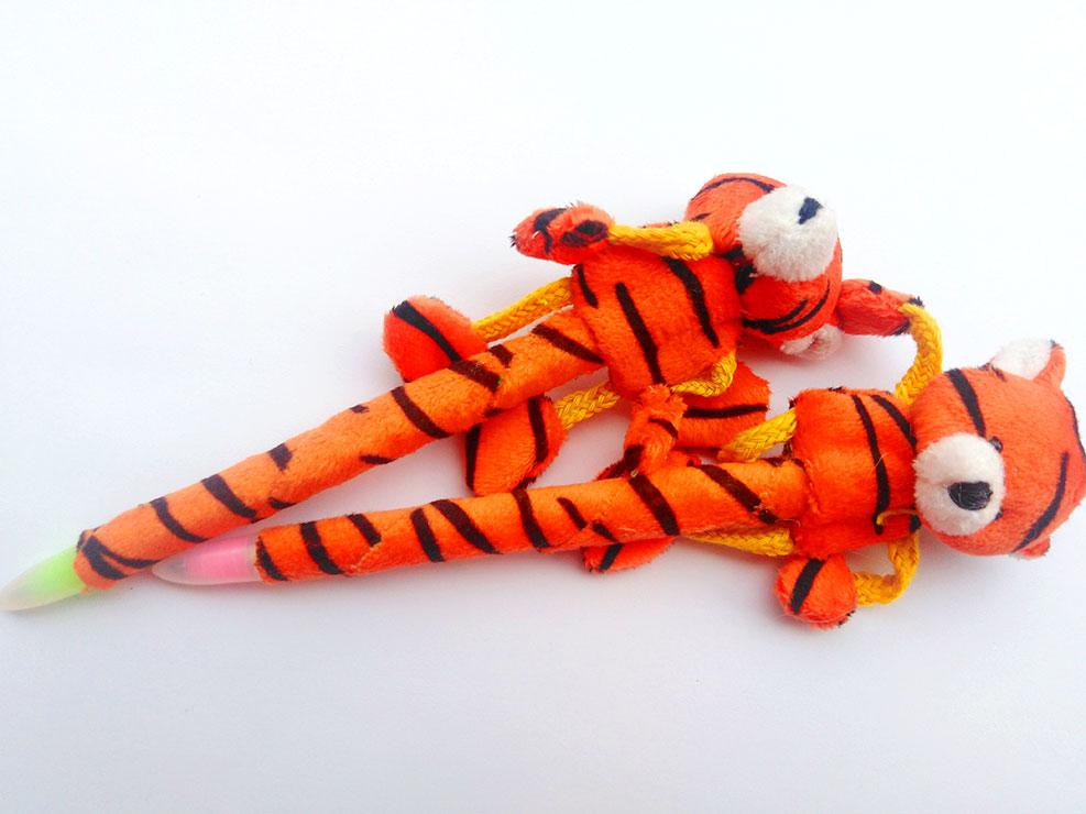 Μπομπονιέρα πορτοκαλι ζωάκια στυλό